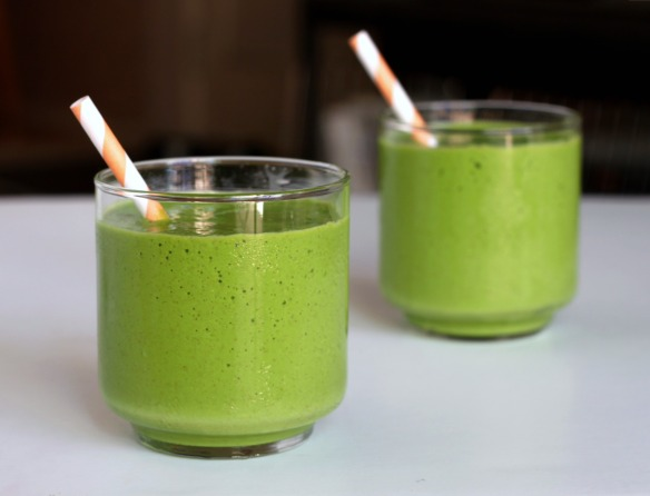 Tropical-green-smoothie-3.jpg